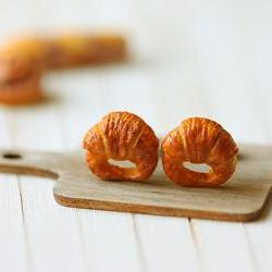 Food Earrings - Croissant Earrings